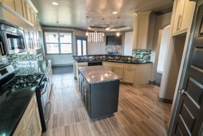 Allenton Homes Kitchen at Rockwell Parke